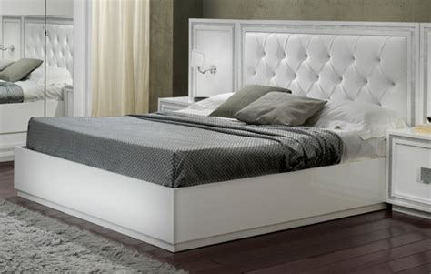 chambres d h es en provence pas cher lit krystel laque blanc