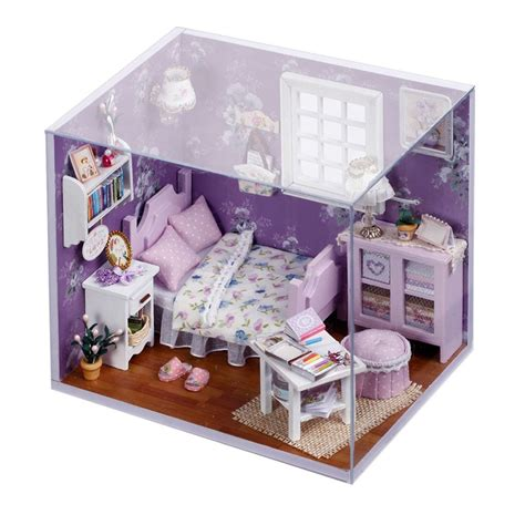 DIY Dollhouse: Amazon.com