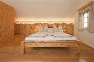 zirbenholz schlafzimmer schlafzimmer aus zirbenholz