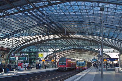 berlin hauptbahnhof post s bahn and db regionalbahn at berlin hauptbahnhof central station trains