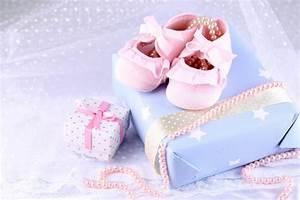 Quoi Offrir Pour Une Naissance : un cadeau original pour une naissance idee cadeau original ~ Melissatoandfro.com Idées de Décoration