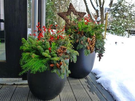 Blumenkübel Weihnachtlich Dekorieren by Pflanzk 252 Bel In Der Adventszeit Weihnachtliches Ambiente