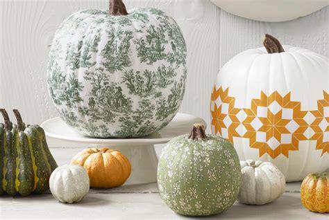 diy pumpkins diy wedding crafts pumpkin centerpiece ideas diy weddings magazine