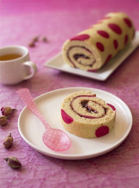 japonais cuisine gâteau roulé imprimé très girly à la confiture de fraise