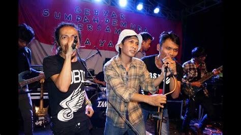 Biasanya dalam reggae terdapat aksentuasi pada ketukan kedua dan keempat pada setiap bar. MUSIK : BUBBLE ROOTS - Maria ( SKA Reggae ) Tangerang ...