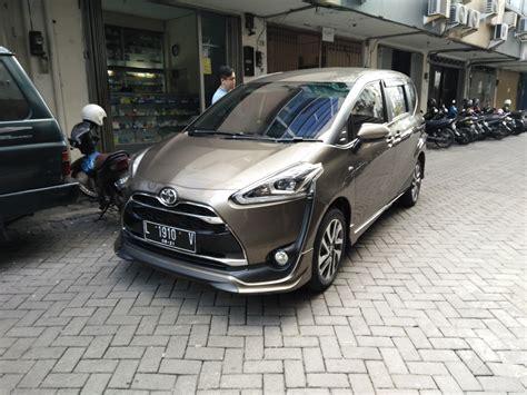 Toyota Sienta Modification by File 2016 Toyota Sienta Q West Surabaya Jpg Wikimedia