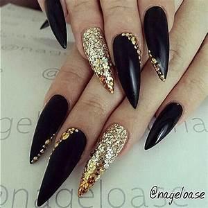 Nägel Schwarz Gold : die besten 17 ideen zu mattes nageldesign auf pinterest matt nails nagelideen und schwarze n gel ~ Frokenaadalensverden.com Haus und Dekorationen