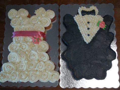bride groom cupcake arrangements