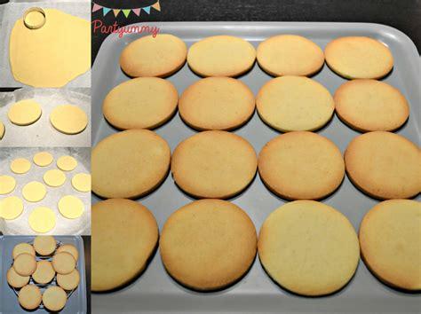 biscuits de no 235 l d 233 cor 233 s avec du glacage royal