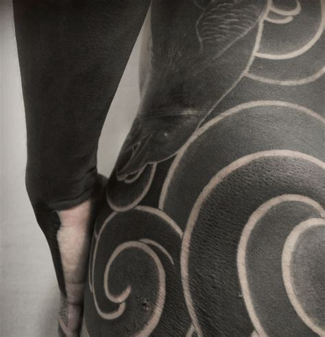 japan based tattooer gakkin creates beautiful body suits