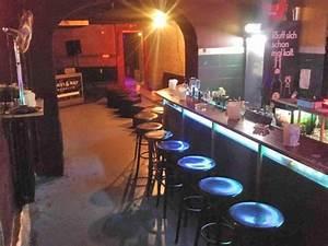 Bar Mit Tanzfläche Berlin : gem tliche keller bar in der kurf rstenstra e in berlin mieten ~ Markanthonyermac.com Haus und Dekorationen