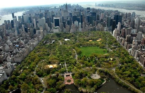 fuerte explosion en central park deja  herido megalopolis