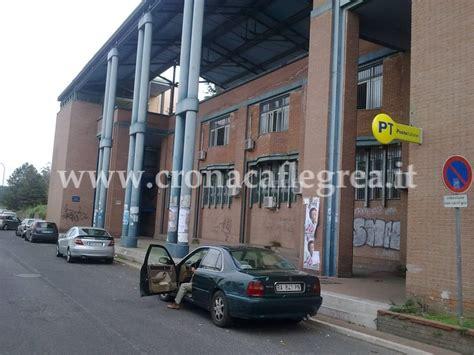 Ufficio Postale Pozzuoli Pozzuoli Strutture Pericolose Chiuso L Ufficio Postale