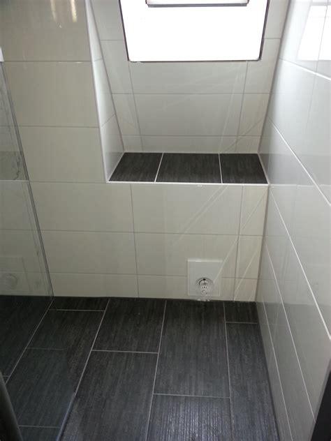 Fußboden Fliesen Bad by Badezimmer Fliesen Grau Und Anthrazit Mrajhiawqaf
