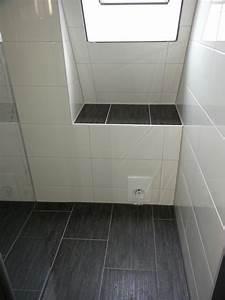 Fliesen Bad Weiß : badezimmer fliesen grau und anthrazit ~ Markanthonyermac.com Haus und Dekorationen
