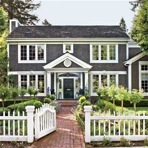 Remodelaholic  Real Life Rooms — Adding Colonial Curb Appeal