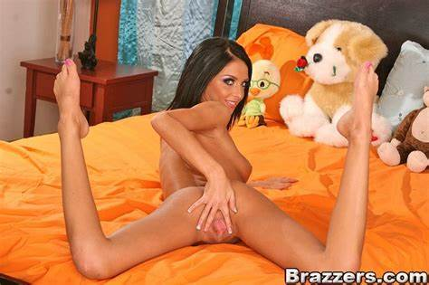 Stephanie Cane Pounded By Giant Bals