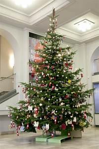 Künstlicher Weihnachtsbaum Geschmückt : fertig geschm ckter weihnachtsbaum my blog ~ Michelbontemps.com Haus und Dekorationen