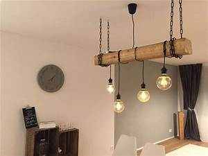 Retro Lampe Holz : die besten 25 holzbalken lampe ideen auf pinterest altholz leuchten h lzerne laternen und ~ Indierocktalk.com Haus und Dekorationen