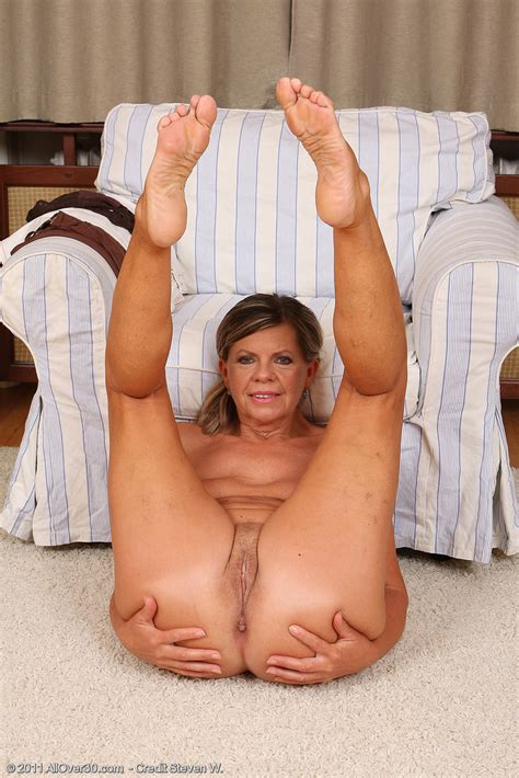Mature Pictures Featuring 56 Year Old Samantha P From
