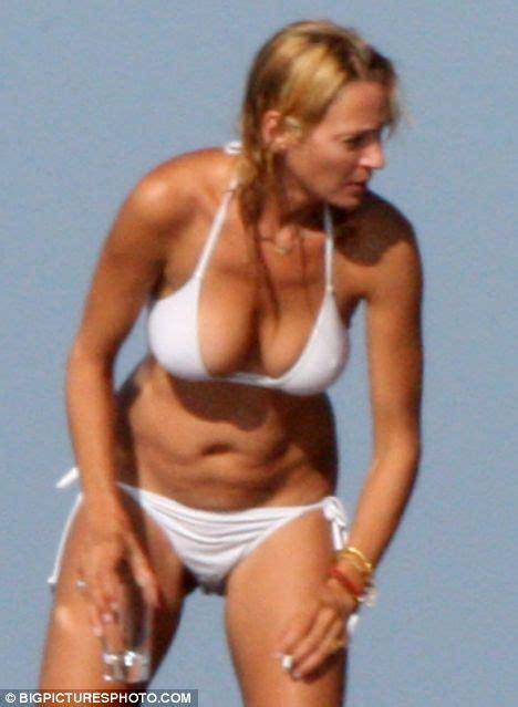 liam neeson bikini kill bill star uma thurman shows off her glowing summer