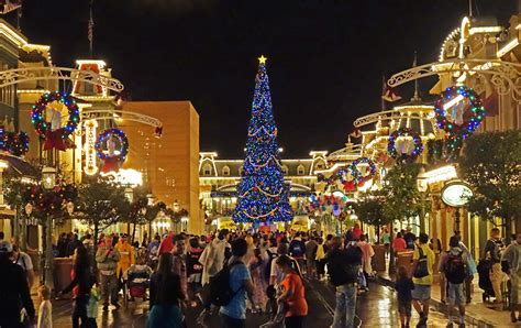 best 28 how does disney world stay decorated for