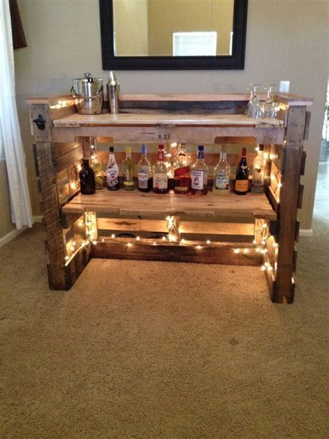 30 Best Picket Pallet Bar DIY Ideas for Your Home   DIY
