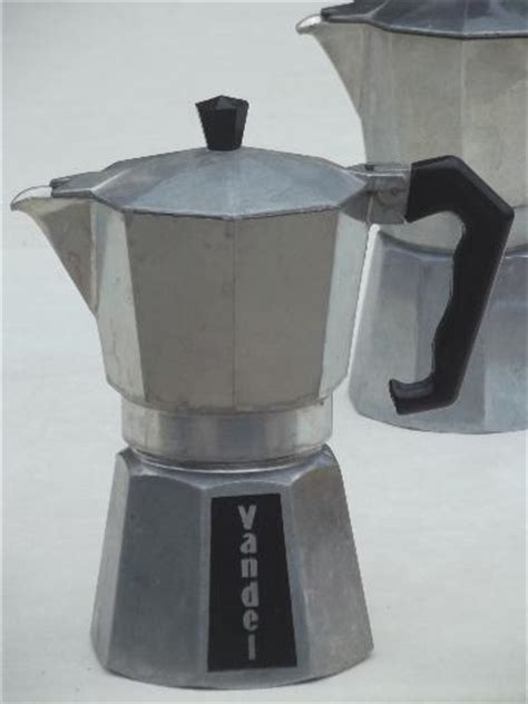 Unlike a moka pot, a napoletana does not use the pressure of steam to force the water through the coffee, relying instead on gravity. vintage Italian espresso coffee pots, Vandel stove top coffee pot