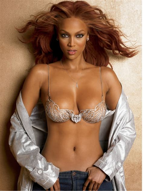 Tyra Banks America Model looking Hot | Hot Female Celebrities of the World