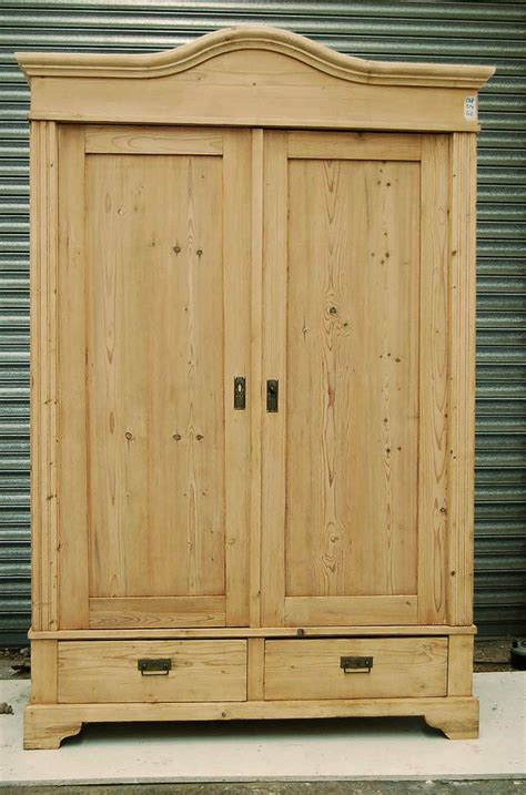 Pine Wardrobes by 20 Best Antique Pine Wardrobes Images On Pine