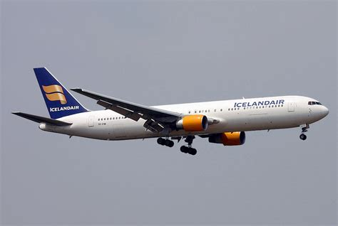File Boeing 767 383 Er Santa Barbara Airlines Icelandair