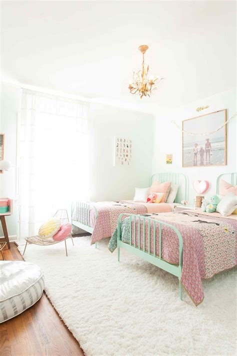 shared girl bedroom decorating ideas    love