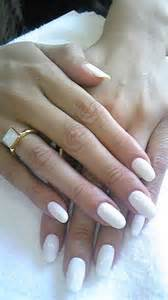 Short round nails designs images