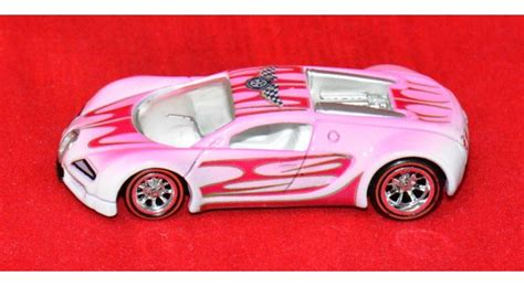 Bugatti veyron is undoubtedly one of rarest modern cars in the world with just 468 ever made. Hot Wheels Riverside Show Bugatti Veyron - Loose Cars