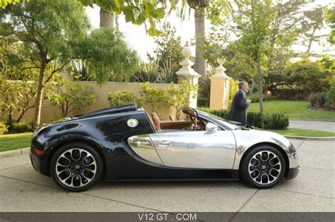 The development of the bugatti veyron was one of the greatest technological challenges ever known in the automotive industry. Bugatti Veyron Grand Sport Sang Bleu Pebble Beach profil / Bugatti / Photos GT / Les plus belles ...
