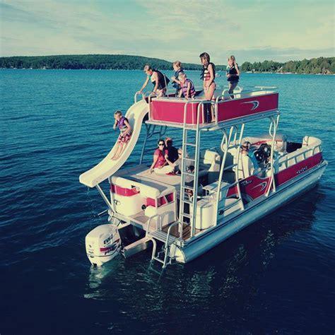 Deco Fun Ship by Avalon Luxury Pontoons