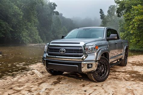 toyota tundra 2015 toyota tundra bass pro shops off road edition breaks