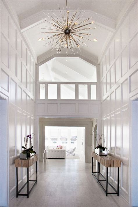 Chandelier In Hallway by 25 Best Ideas About Foyer Chandelier On Foyer