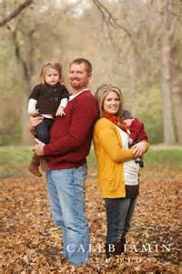 Fall Outdoor Family Portrait Ideas