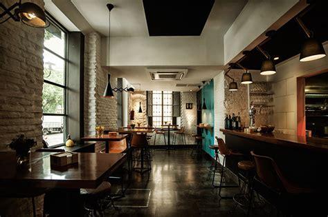 réformation complète d 39 une taverne en bar à tapas et