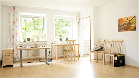 Apartment Rooms : Sunny Room In Old Apartment.jpg-wikimedia Commons