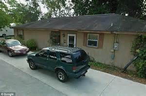 Daytona Beach family living with decomposing body cash in