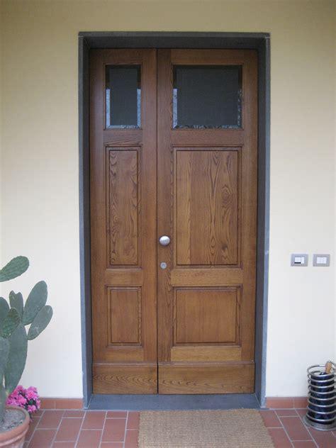 portone d ingresso in legno infissi e serramenti porte falegnameria ceccarelli