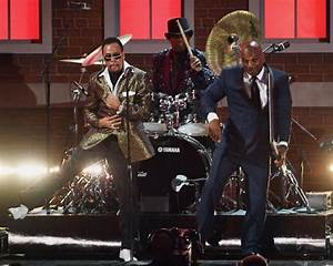 SEE IT: Morris Day, Bruno Mars perform Prince tribute at ...