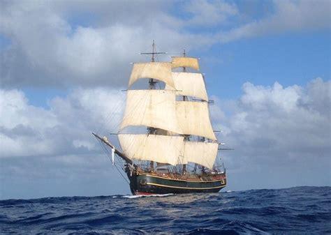 hms bounty sinking location hms bounty in hurricane path captain dies as vessel