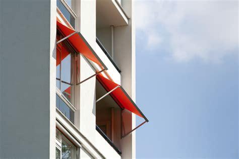 retractable waterproof awnings
