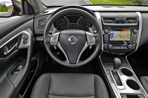 Nissan Altima Interior by 2015 Nissan Altima Reviews And Rating Motor Trend