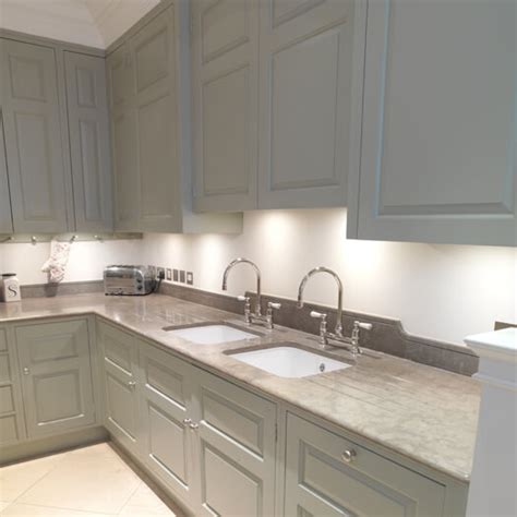 painting kitchen cabinets with farrow and chelsea painted kitchen 9705