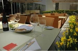 Yasmin Hotel Prag : h tel yasmin prague r publique tch que koming up ~ A.2002-acura-tl-radio.info Haus und Dekorationen