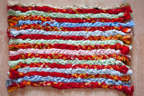 simplest instructions  making rag rugs ehow